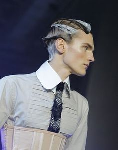 Liking the man-waves. From John Galliano Fall/Winter fashion show.