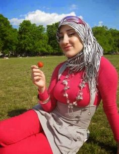 Tante+Jilbab+Arab+Hot+7.jpg (557×720)