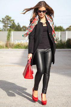 Sarah Eichhorn aka Josie Loves shares her first fall look this year, carrying a Louis Vuitton Alma Epi Carmin (via http://www.josieloves.de) | See more about louis vuitton, louis vuitton bags and bags.
