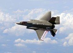 米ステルス戦闘機F35=撮影日不明(AFP=時事) ▼16Jul2014時事通信|F35、条件付き飛行再開=英ショー参加は見送り-米 http://www.jiji.com/jc/zc?k=201407/2014071600093 #Lockheed_Martin_F35_Lightning_II