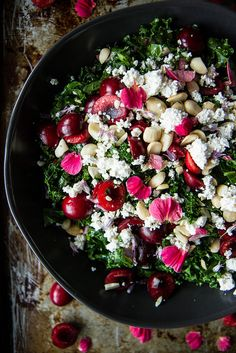 Kale Salad with Cherries and Almond Ricotta and Cherry Vinaigrette Kale, Cherry and Almond Ricotta Salad from Heather Christo Healthy Salad Recipes, Vegetarian Recipes, Cooking Recipes, Lunch Recipes, Raw Recipes, Kale Salad, Soup And Salad, Bulgur Salad, Salat To Go