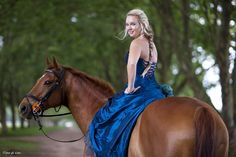Formal dress Horse shoot
