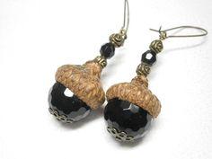 Ohrringe  echte Eichelhütchen + Perlen Onyx  von BlackSheepFactory auf DaWanda.com