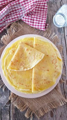 crepes senza uova Mango Avocado Salsa, Crepes And Waffles, Cannelloni, Vegetarian Recipes, Cooking Recipes, Country Cooking, Omelette, Relleno, Finger Foods