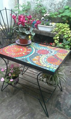 Designs for Mosaics Templates 1201 Best Geometric Design Round Oval Mosaics Images On Mosaic Garden Art, Mosaic Tile Art, Mosaic Flower Pots, Mosaic Artwork, Mosaic Crafts, Mosaic Projects, Mosaic Glass, Mosaic Patio Table, Mosaic Coffee Table