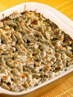 Sajtos zöldbab, tejföllel és reszelt sajttal, 15 perc alatt aranysárgára sütjük!