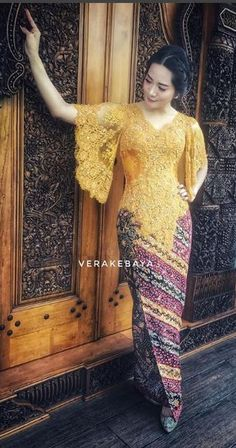 Kebaya Lace, Kebaya Brokat, Batik Kebaya, Kebaya Dress, Dress Pesta, Batik Dress, Mode Batik, Model Kebaya Modern, Dress Brukat