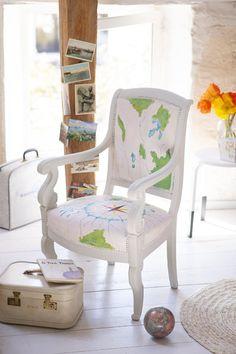 Customiser Une Chaise Avec Une Rose Des Vents Peinte Customiser Chaise Idees De Decoration Interieure Mobilier De Salon
