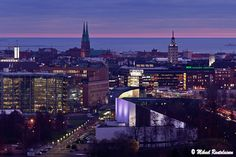 Helsinki downtown. Finland. #travelscandinavia White Lilies, Capital City, Helsinki, Denmark, Norway, Sweden, Paris Skyline, Law, To Go