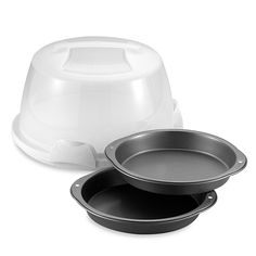 Good cooks know the right bakeware set makes a difference. Get the best baker set at Bed Bath & Beyond Get cooking - shop now for a crock set or glass bakeware set. Wilton Baking, Baking Set, Baking Tools, Cooking Shop, Fun Cooking, Wilton Cakes, Pan Set, Bakeware, Dog Bowls