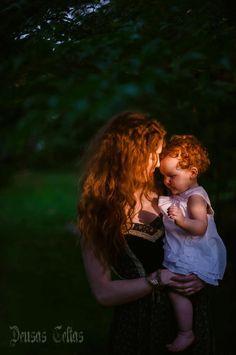 """""""Uma das maiores forças do universo reside no amor de mãe.""""  ~Kah"""