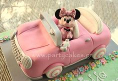 Cute Minny Mouse Cake