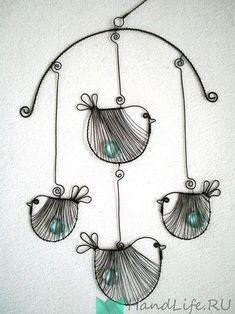 Závěs Ptáčci s pecičkou wire birds Wire Crafts, Metal Crafts, Garden Crafts, Garden Art, Wire Wrapped Jewelry, Wire Jewelry, Art Fil, Copper Wire Art, Wire Wall Art