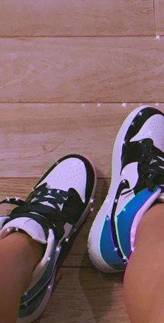 Bape Shoes, Nike Air Shoes, Shoes Sneakers, Jordan Shoes Girls, Girls Shoes, Jean Moda, Mode Streetwear, Pretty Shoes, Dream Shoes