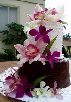 Tropical Wedding Cake! - #weddingcakes #tropicalwedding #beachwedding
