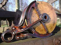 Antique-Vintage-Cast-Iron-Hudson-Barn-Pulley-Old-Farm-Tool-Rustic-Primitive