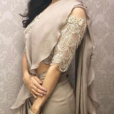 30 Blouse Designs Photos That Will Blow Your Mind • Keep Me Stylish Sari Blouse, Saree Blouse Models, Indian Blouse, Saree Dress, Indian Saris, Modern Saree, Saree Styles, Blouse Styles, Blouse Back Neck Designs
