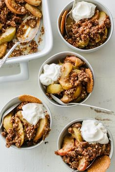 Healthy apple crumble that's perfect for serving with yogurt for breakfast. Refined sugar free and naturally sweetened with maple syrup and dates. # Food and Drink vegetarian sugar Baked Breakfast Apple Crisp (Gluten-Free! Gluten Free Apple Crisp, Apple Crisp Recipes, Brunch Recipes, Breakfast Recipes, Drink Recipes, Healthy Apple Crumble, Vegan Mac And Cheese, Gluten Free Recipes, Healthy Recipes