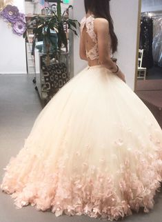 Blush Pink Lace Crop Tulle Two Piece Ball Gowns Quinceanera Dresses – alinanova - Blush Pink Ball Gown Quinceanera Dresses Two piece Source by alinanovafashion - Sweet 15 Dresses, Dresses Short, Pretty Dresses, Beautiful Dresses, Sweet Sixteen Dresses, Pink Dresses, Dresses For Teens Wedding, Fall Bridesmaid Dresses, Prom Dress Two Piece