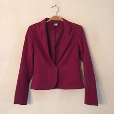 Pink Fuchsia Fitted Deep V-Neck Blazer Jacket H&M Gorgeous pink / fuchsia / berry colored blazer jacket. Fitted for a sleek look. Deep v-neck w/ 1 button closure & 2 pockets on the front. Great for work, professional settings, or even throwing on over jeans & sneakers for a cool, casual, classic style. Worn ONCE, in LIKE-NEW CONDITION!! H&M Jackets & Coats Blazers