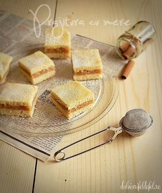 Romanian Food, Macaroons, Truffles, Cornbread, Cake Recipes, Food And Drink, Sweets, Cookies, Ethnic Recipes
