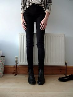 black skinny jeans and chelsea boots