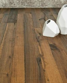 San Diego-based DuChateau Floors, maker of luxe natural flooring, just announced a new collection that replicates the popular look of reclaimed barn wood. The Heritage Timber Edition is made with FSC-certified Pallet Floors, Reclaimed Wood Floors, Timber Flooring, Wood Veneer, Hardwood Floors, Plank Flooring, Barn Wood, Wood Floor Finishes, How To Antique Wood