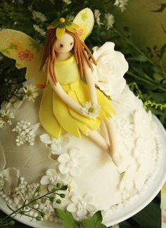 Cherry on a Cake: A SNOW WHITE FAIRY CAKE ~ FOOD FOR THOUGHT