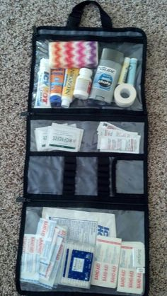 Good for sports events! turn a beauty bag into a first aid kit! Football Cheer, Basketball Mom, Softball Mom, Softball Stuff, Soccer Moms, Basketball Scoreboard, Flag Football, Football Boots, Football Players