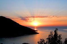 Photo : Solstice dété,  France, Mers et plages, Couchers de soleil, Météo, Crépuscules / Aurore, Corse, Galeria. Toutes les photos de Eric Jehl sur L'Internaute
