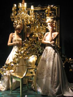 Neiman Marcus: Dallas 2006 Retail Windows, Shop Windows, Shop Window Displays, Store Displays, Noel Christmas, Window Design, Window Shopping, Retail Therapy, Visual Merchandising