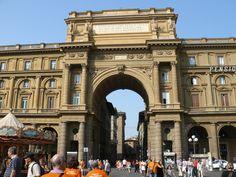 Piazza della Repubblica (photo by Peggy Mooney)