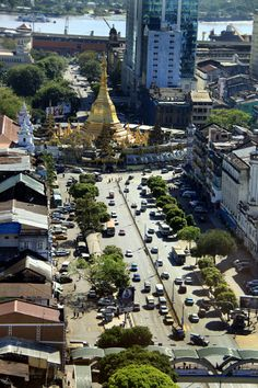 Sule Pagoda in Downtown Yangon - click through the pix to see some more neat photos of city.