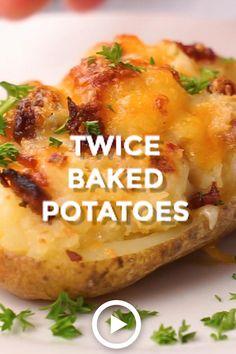 Easy Twice Baked Potatoes, Baked Potato Recipes, Cheesy Recipes, Twice Baked Potatoe Recipe, Easy Potato Bake, Recipes For Potatoes, Breakfast Baked Potatoes, Bacon Mashed Potatoes, Chicken Potato Bake