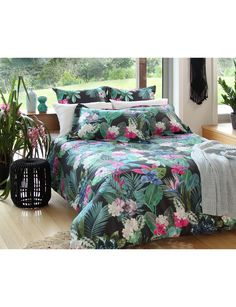Jump into a tropical paradise with the Domani Vibo Duvet Cover Set. Lush succulents, palm leaves, and birds of paradise make up thisbeautiful design, which is digitally printed onto 100% 370 Thread Count Cotton.