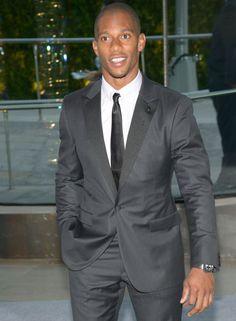 He Be On That Suit & Tie Sh**.... Victor Cruz