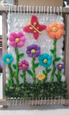 Jardin  hermoso. Weaving Art, Loom Weaving, Tapestry Weaving, Hand Weaving, Macrame Owl, Felt Pictures, Wool Art, Woven Wall Hanging, Beading Projects