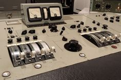 Vintage Siemens / Telefunken / TAB preamps: worth the trouble? Recording Equipment, Audio Equipment, Sound Bath, Recording Studio Home, Studio Gear, Audio Sound, Vintage Records, Sound Design, Sound Proofing