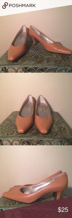 BELLINI Heels BELLINI Heels❤️ Size 7 1/2❤️ Gently Loved❤️ 💚Bundle Discount💚 🚫No Trades🚫 BELLINI Shoes Heels