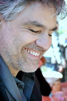 Andrea Bocelli, you are an amazing singer and human being!! You bless the world with your beauty! :-)