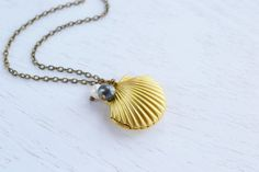 Mermaid Sea Shell Locket Necklace, Vintage Style Matt Gold Brass Locket Pendant, Ocean Inspired Locket,BFF, Mermaid's Secret Locket, Wedding Bridesmaid Gift, White Pearl Grey Pearl