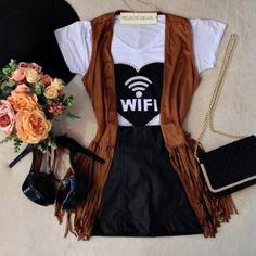 T-shirt  WIFI Bordada em Pérolas ( Cor BRANCA)