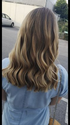 Blonde balayage (beige tone) Blonde Balayage, Beige, Long Hair Styles, Beauty, Shaving Machine, Barber Salon, Hair Stylists, Balayage Hairstyle, Dressmaking