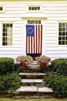It's Flag Day! Out comes my beloved American flag collection from the old wicker hampers in the Summer Room. I've been collecting vintage flags for some time now, and it all started with just one keep reading