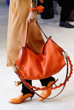 b1f0a0e35e Loewe Spring/Summer 2017 Ready-To-Wear. Accessori Per BorseAccessori ...
