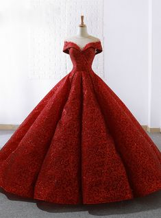 Rotes Spitze Ballkleid durchsichtig Hals Cap Sleeve Brautkleid Red Lace Ball Gown See Through Neck Cap Sleeve Wedding Dress dress Lace Ball Gowns, Ball Gown Dresses, Prom Dresses, Ball Gowns Fantasy, Bridal Dresses, Red Quinceanera Dresses, Formal Dresses, Ball Gowns Prom, Couture Dresses
