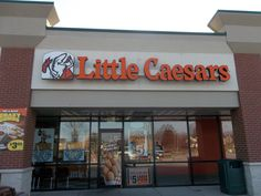 Little Caesars Channel Letter Sign #littlecaesars #pizzapizza #commonwealthsign #outdoorbusinesssigns
