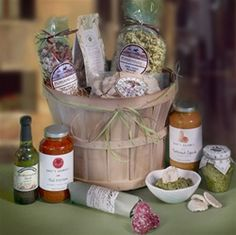 Viva La Vida Gift Basket.  All natural Italian gift basket which includes artisan pastas, gourmet sauces, dipping oil, artichoke & spinach dip, crackers and biscotti cookies.