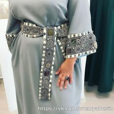 dnt look at her belly fat😂 hobies Arab Fashion, Fashion Line, Muslim Fashion, Fashion Details, Modest Fashion, African Fashion, Boho Fashion, Fashion Dresses, Fashion Design