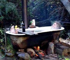 Outdoor Bathrooms 576179346078310665 - Tasmanian Knife Maker Source by aciduledemars Outdoor Bathtub, Outdoor Bathrooms, Outdoor Life, Outdoor Spaces, Outdoor Living, Unique Gardens, Garden Design, Pergola, Backyard